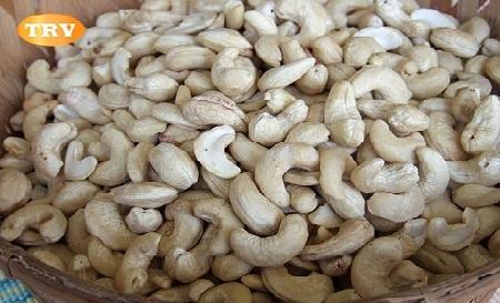 White Wholes - 210 Cashews