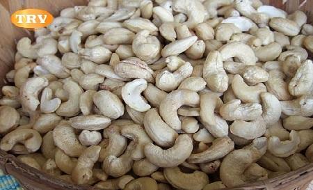 White Wholes - 320 Cashews